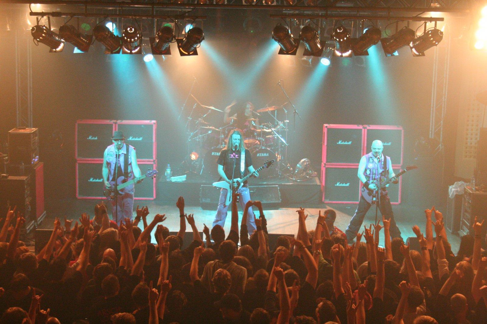 J.B.O. - Lennestadt Sauerlandhalle, 15.05.2010 - Foto von Carsten Dobschat - 057
