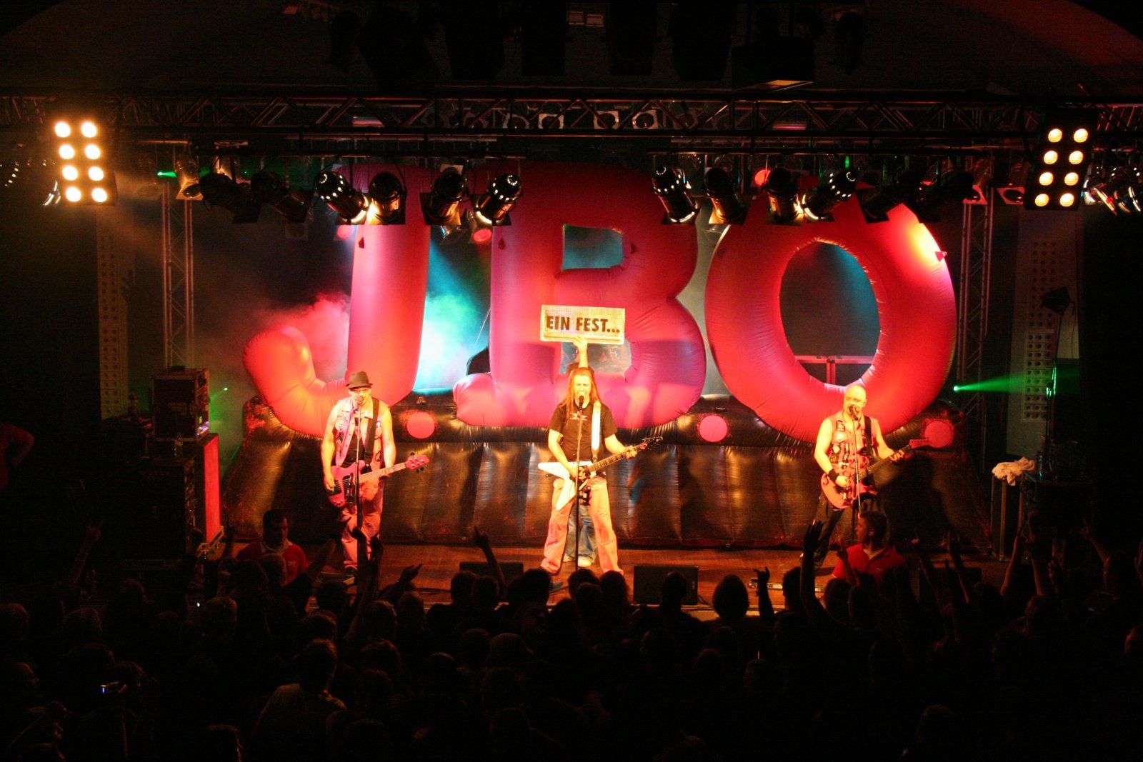 J.B.O. - Lennestadt Sauerlandhalle, 15.05.2010 - Foto von Carsten Dobschat - 079