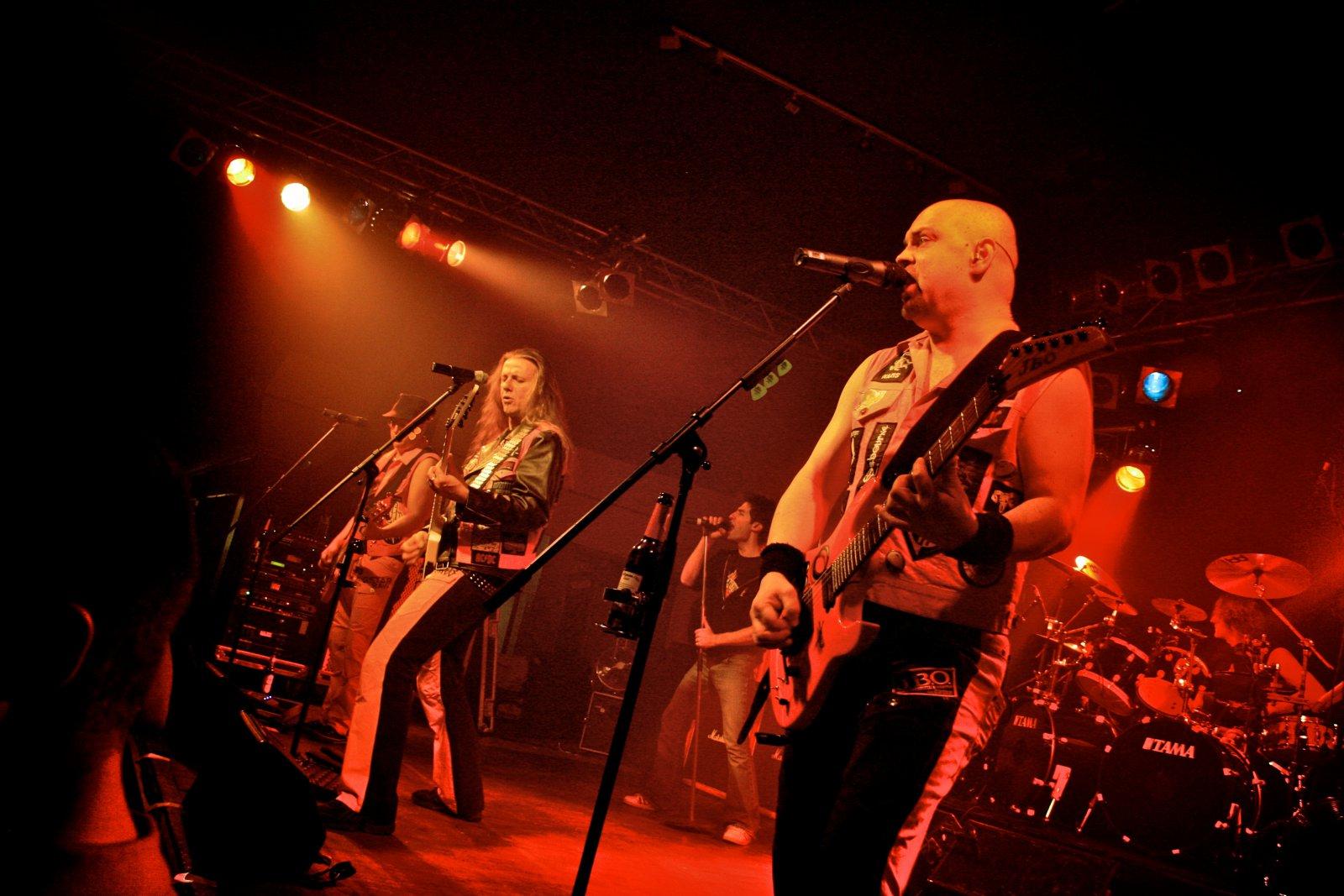 J.B.O. - Lennestadt Sauerlandhalle, 15.05.2010 - Foto von Marc Schwellenbach - 097