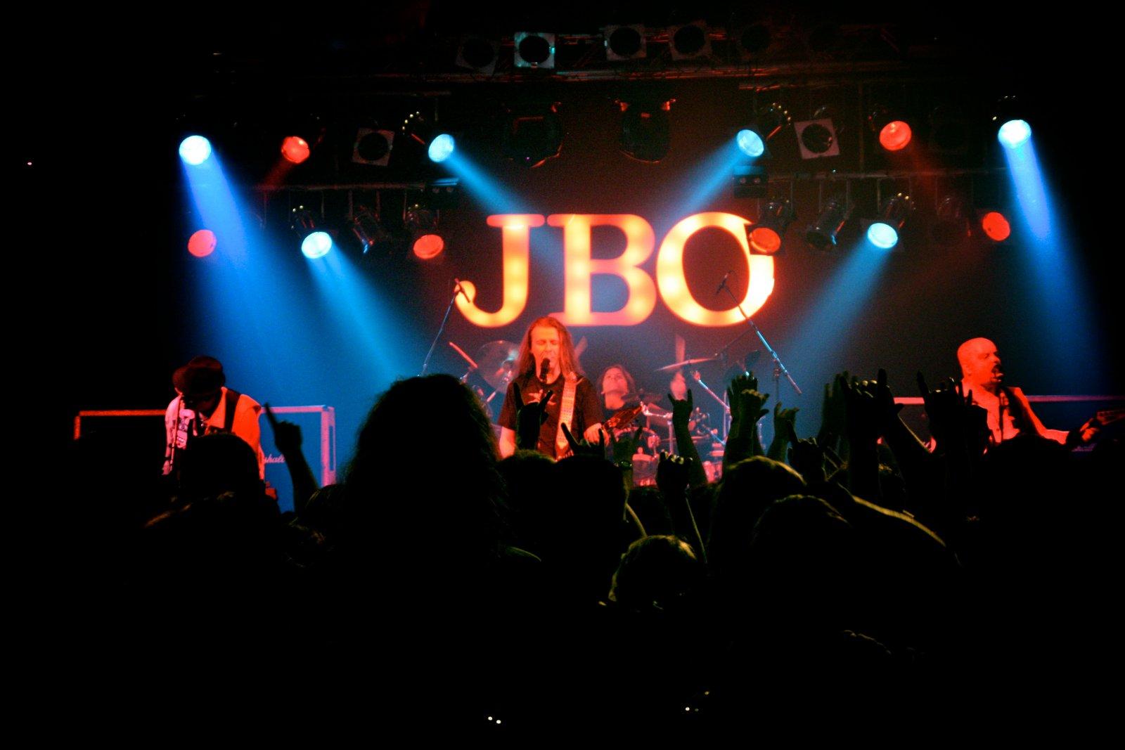 J.B.O. - Lennestadt Sauerlandhalle, 15.05.2010 - Foto von Marc Schwellenbach - 168