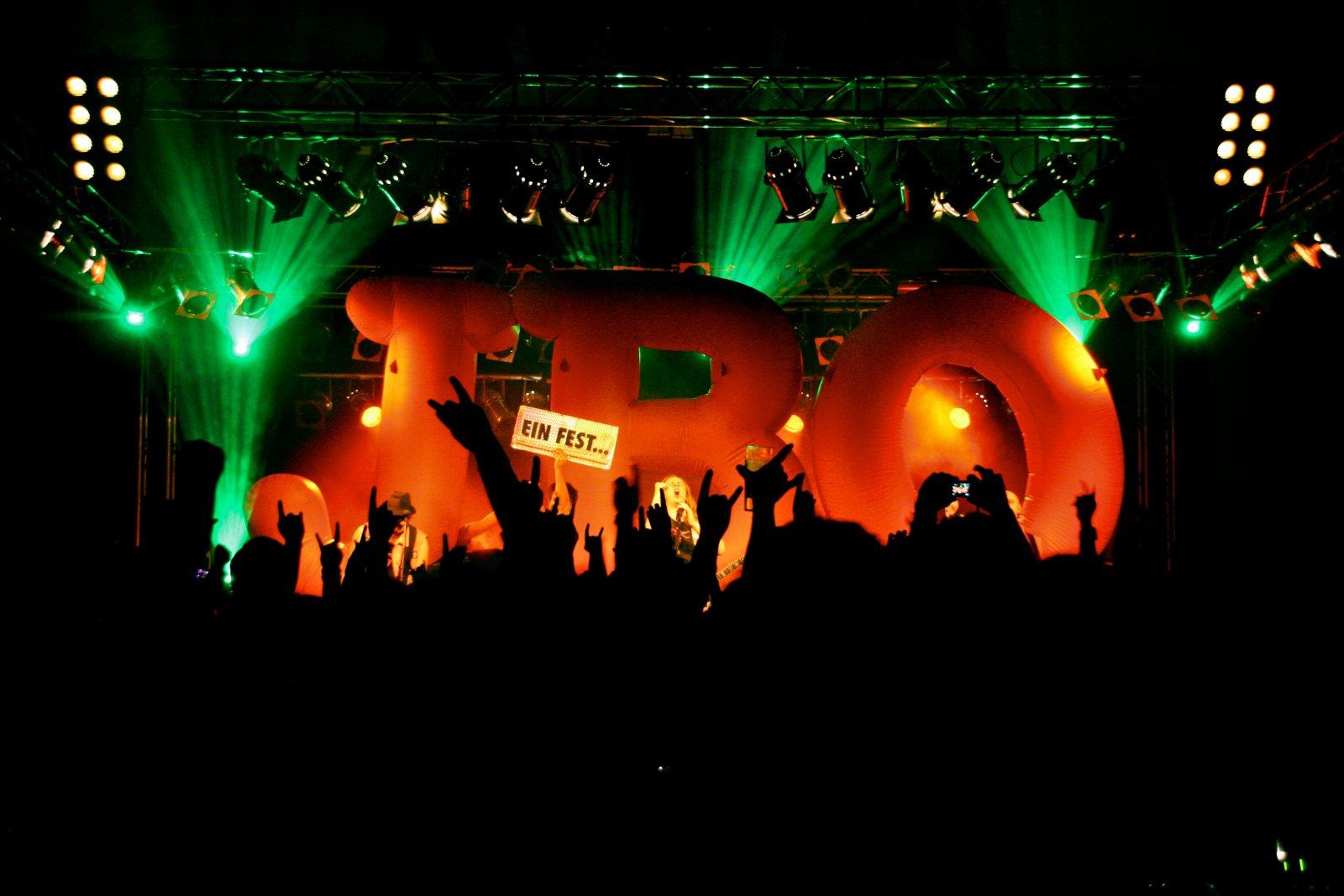 J.B.O. - Lennestadt Sauerlandhalle, 15.05.2010 - Foto von Marc Schwellenbach - 179