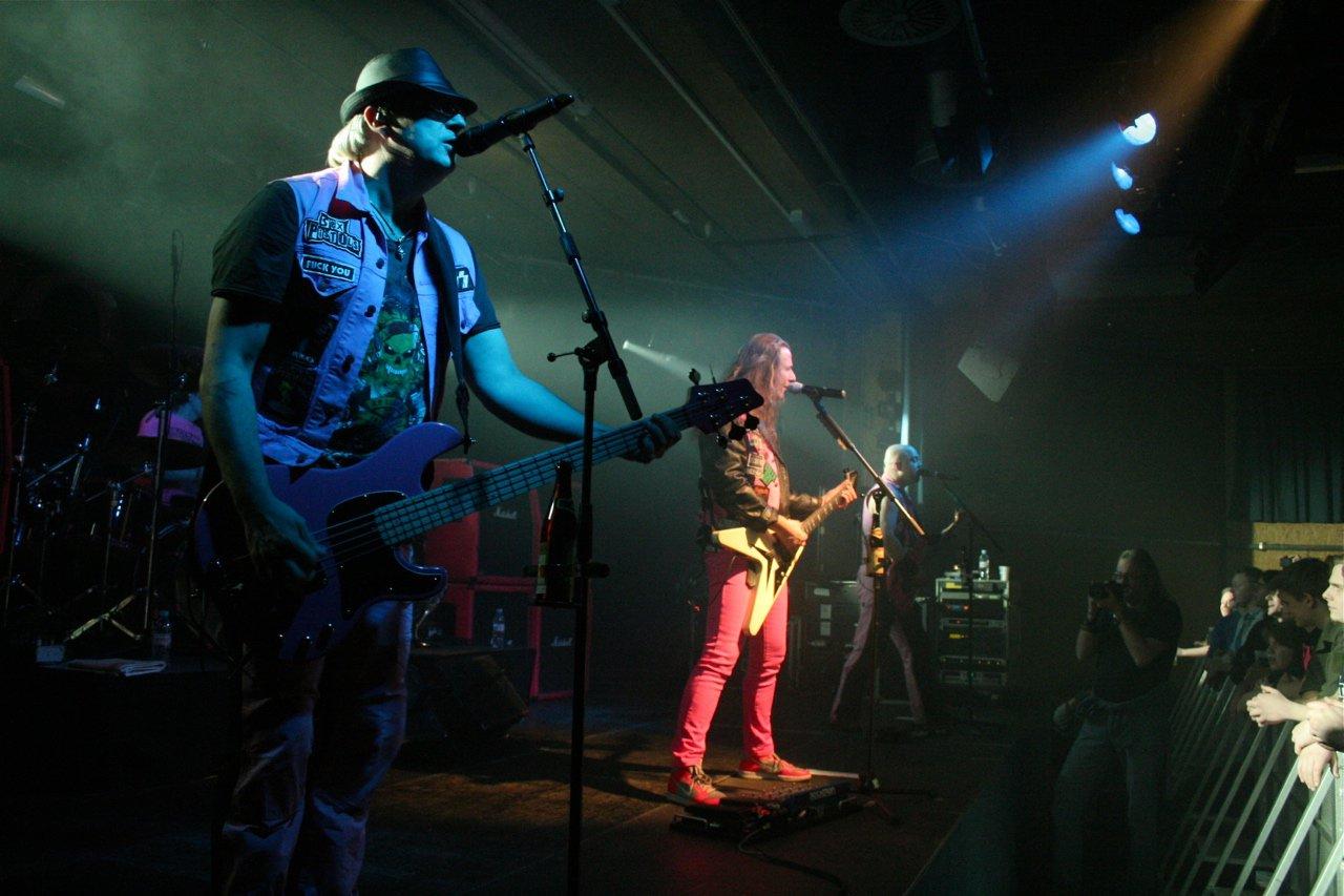 J.B.O. @ Komma Wörgl AT, 24.11.2011 - Foto von Carsten Dobschat - 017