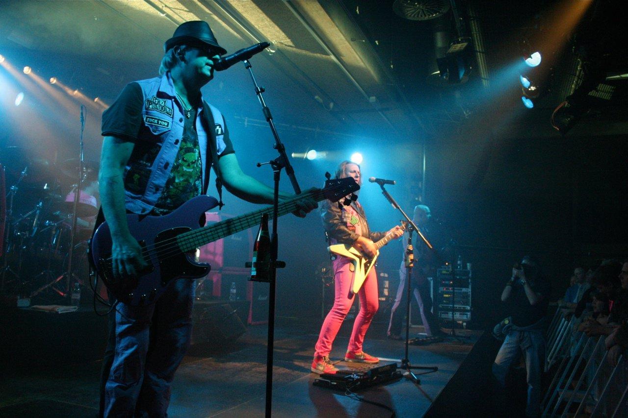 J.B.O. @ Komma Wörgl AT, 24.11.2011 - Foto von Carsten Dobschat - 018