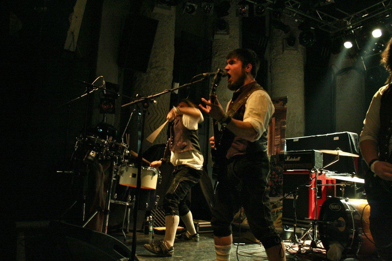 003 - tuXedo @ Rockhouse Salzburg, 25.11.2011 - Foto von Carsten Dobschat