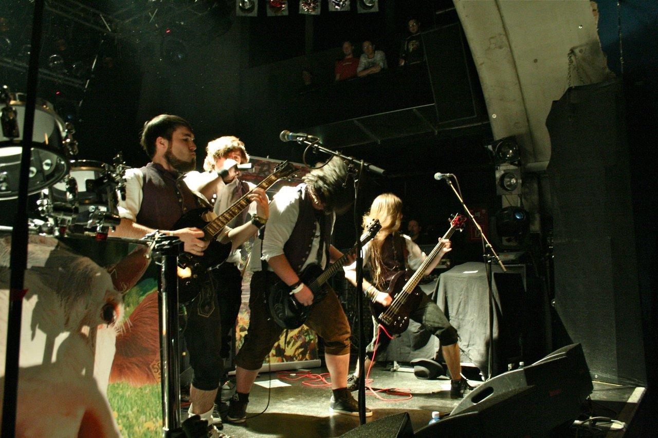 004 - tuXedo @ Rockhouse Salzburg, 25.11.2011 - Foto von Carsten Dobschat