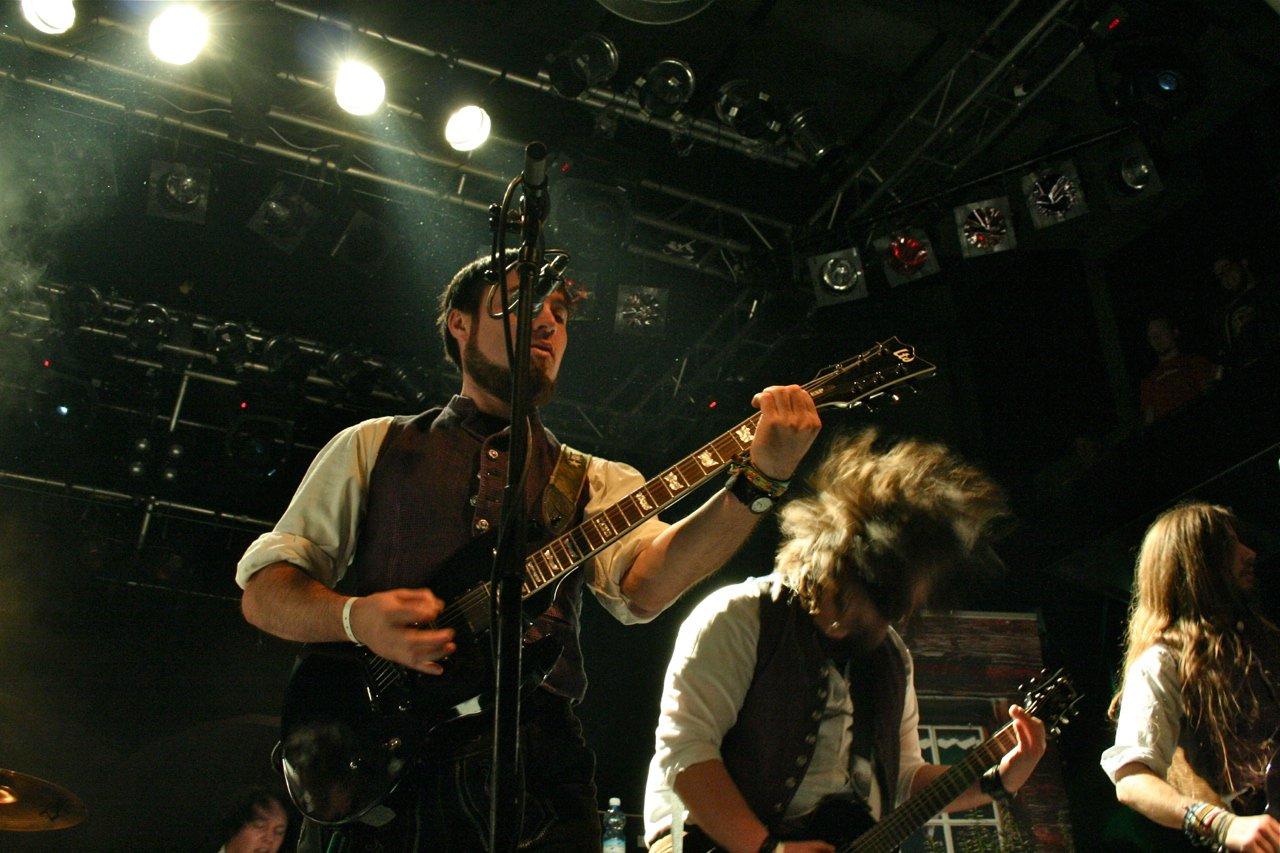 009 - tuXedo @ Rockhouse Salzburg, 25.11.2011 - Foto von Carsten Dobschat