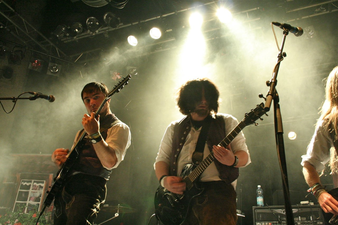 012 - tuXedo @ Rockhouse Salzburg, 25.11.2011 - Foto von Carsten Dobschat