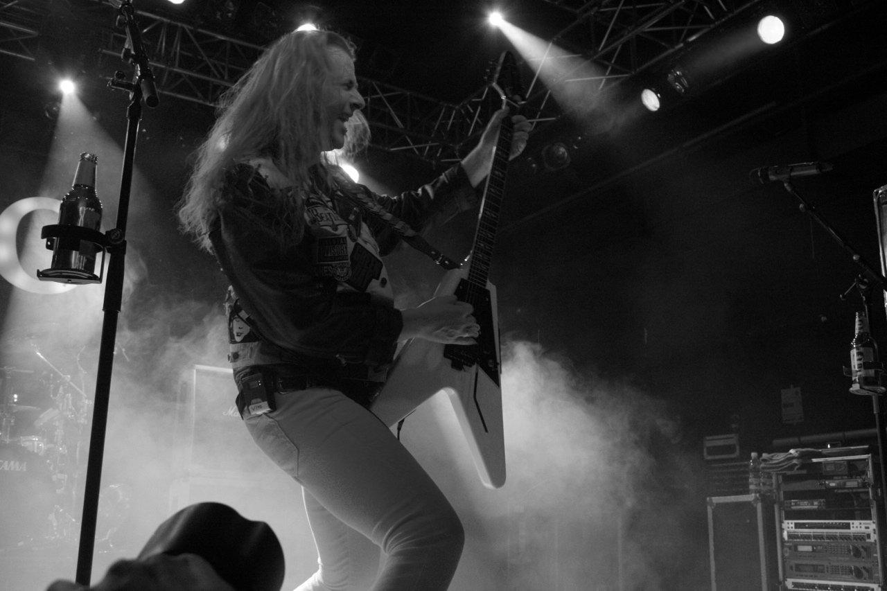 062 - J.B.O. @ Arena Wien AT, 26.11.2011 - Foto von Carsten Dobschat