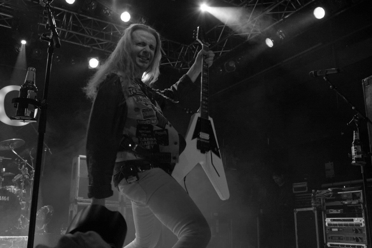 063 - J.B.O. @ Arena Wien AT, 26.11.2011 - Foto von Carsten Dobschat