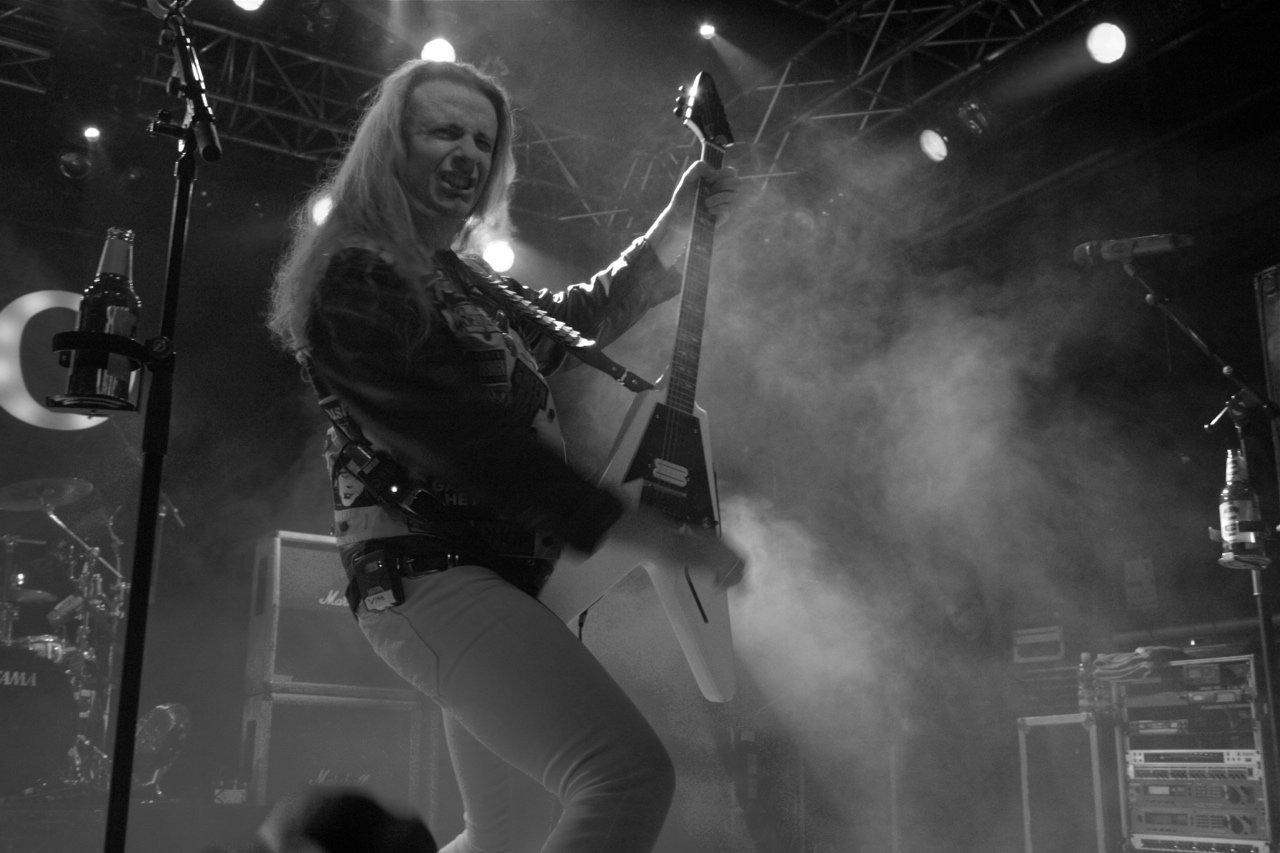 064 - J.B.O. @ Arena Wien AT, 26.11.2011 - Foto von Carsten Dobschat