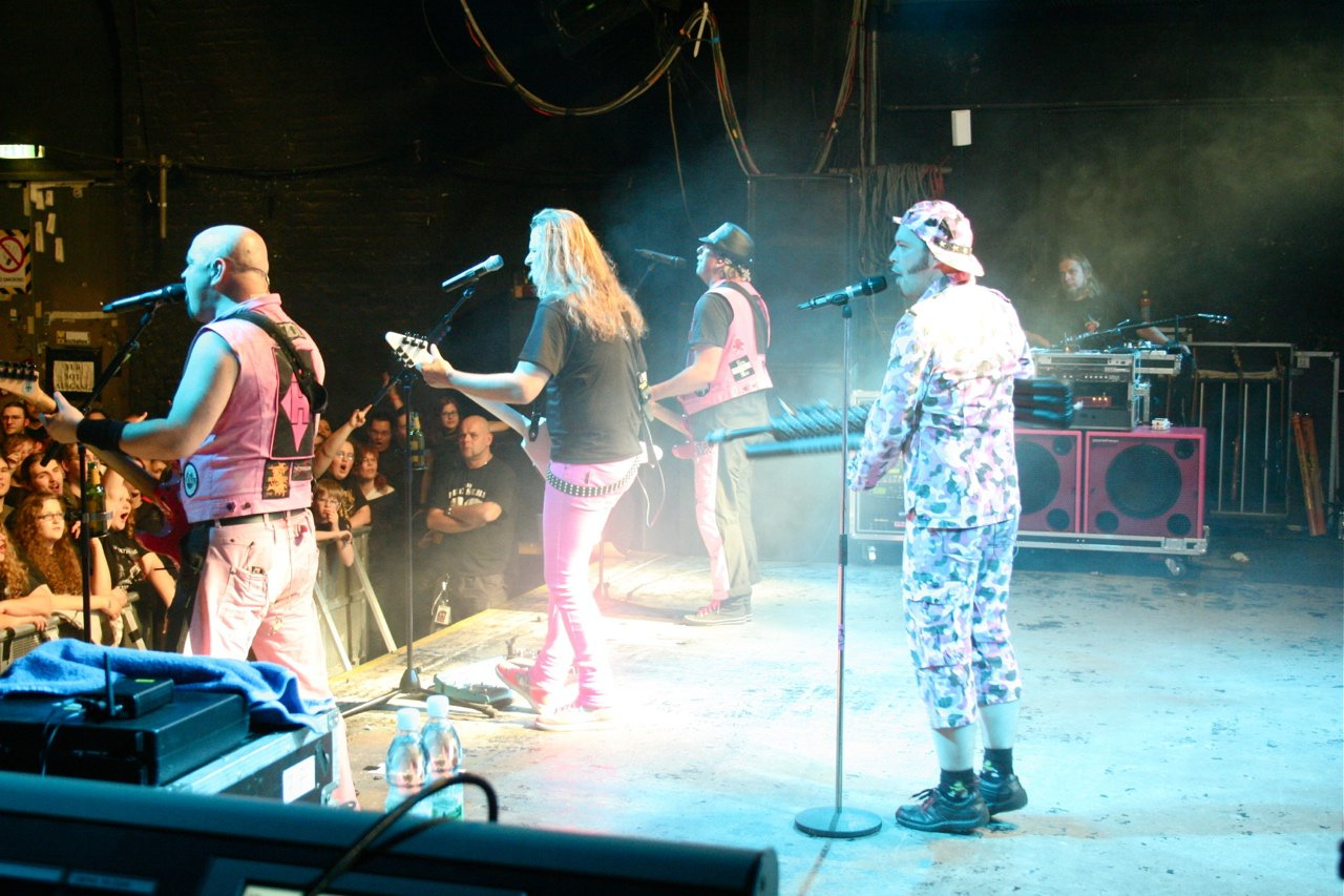 091 - J.B.O. @ Arena Wien AT, 26.11.2011 - Foto von Carsten Dobschat
