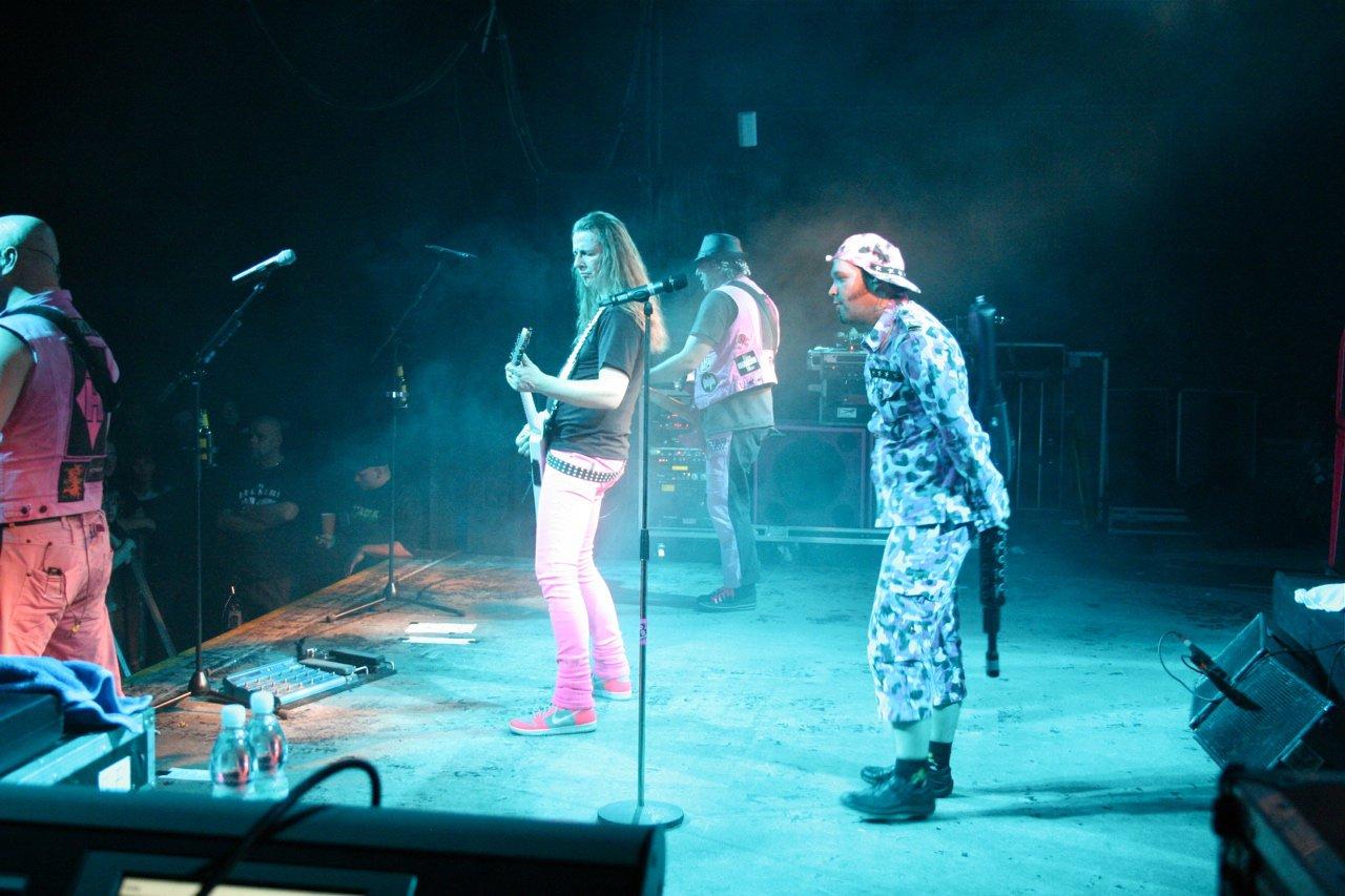 093 - J.B.O. @ Arena Wien AT, 26.11.2011 - Foto von Carsten Dobschat