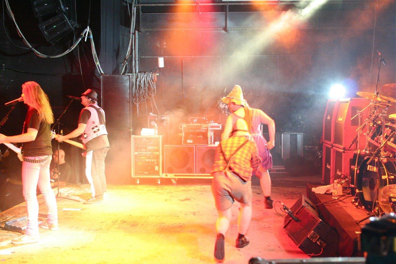 099 - J.B.O. @ Arena Wien AT, 26.11.2011 - Foto von Carsten Dobschat