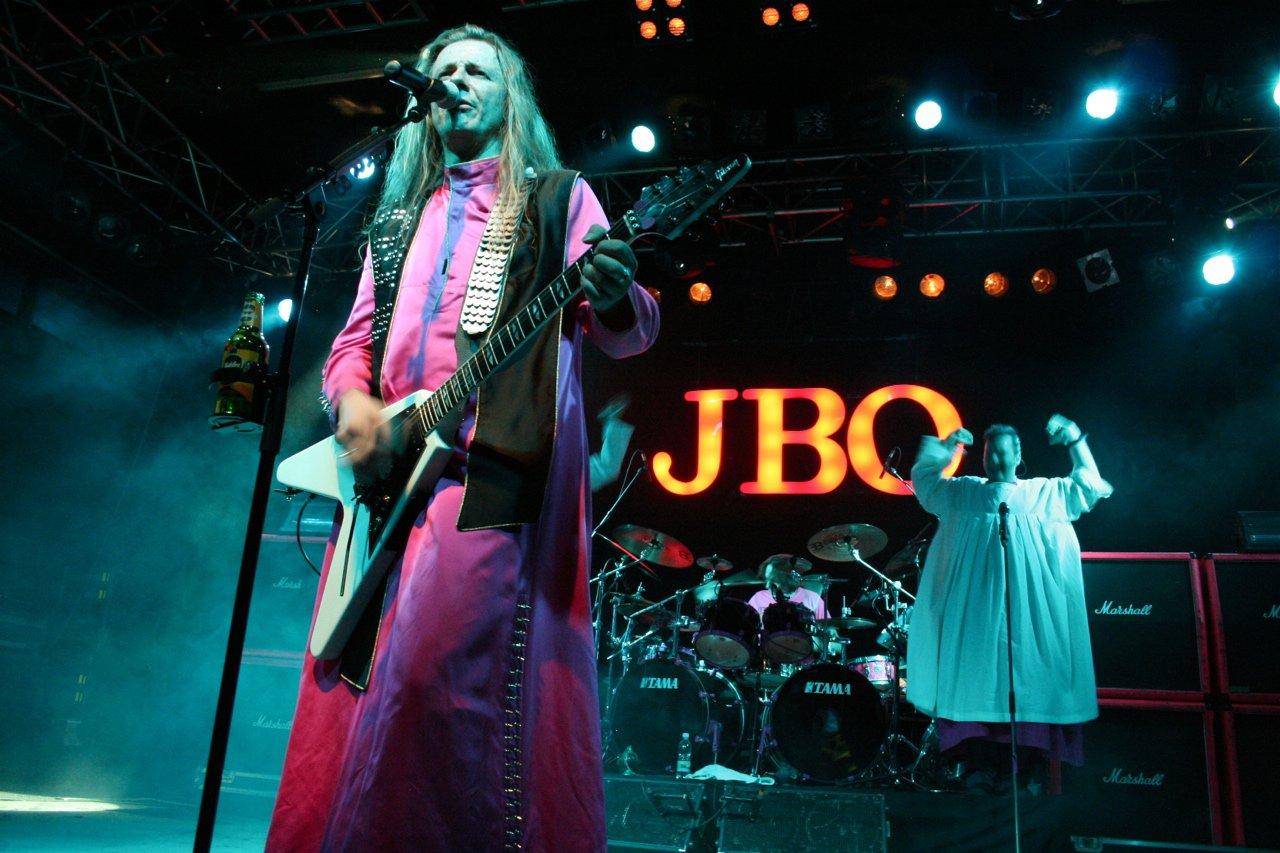 124 - J.B.O. @ Arena Wien AT, 26.11.2011 - Foto von Carsten Dobschat