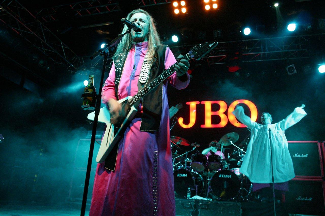 125 - J.B.O. @ Arena Wien AT, 26.11.2011 - Foto von Carsten Dobschat