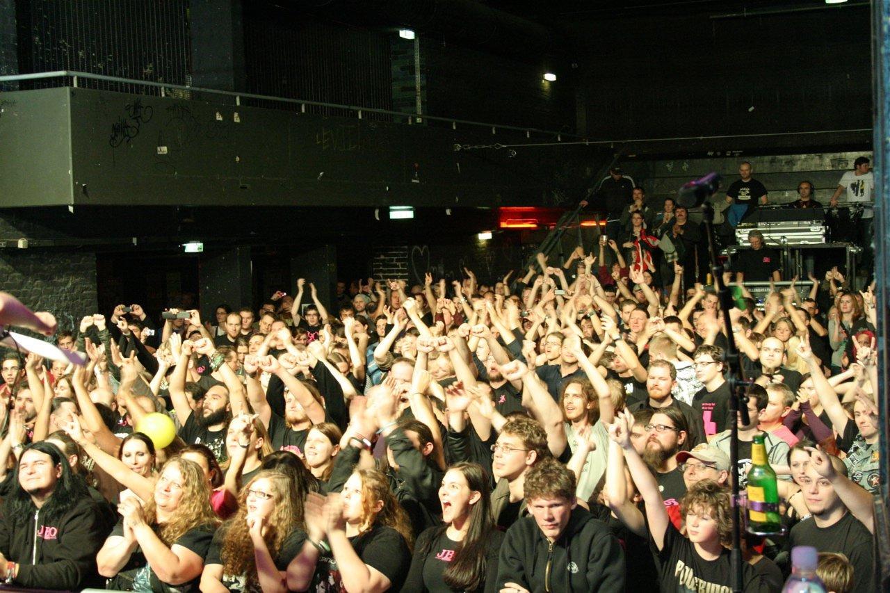 154 - J.B.O. @ Arena Wien AT, 26.11.2011 - Foto von Carsten Dobschat
