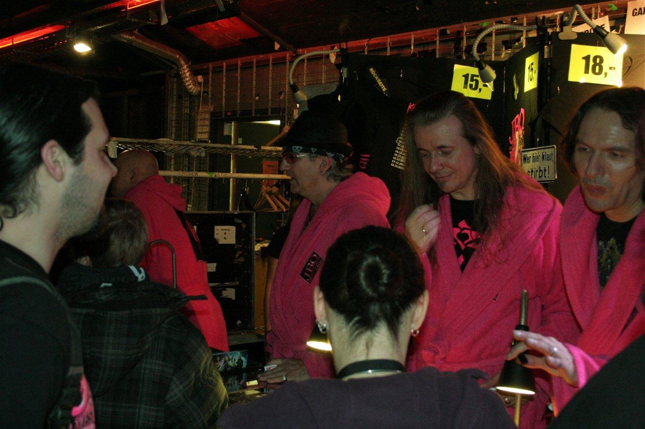 182 - J.B.O. @ Arena Wien AT, 26.11.2011 - Foto von Carsten Dobschat