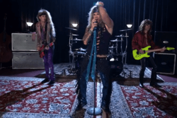 "Steel Panther - Screenshot aus ""The Burden of Being Wonderful"""