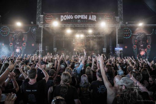 Das Dong Open Air - Ein guter Ort um Staub zu fressen