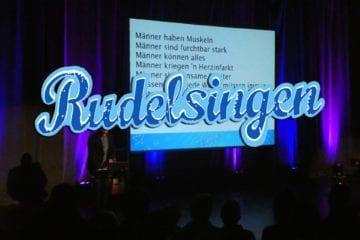 """Rudelsingen: """"Massenkaraoke"""" mit ganz viel Spaß"""